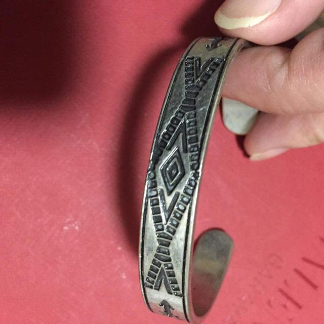ネイティブ柄  腕輪 レディースのアクセサリー(ブレスレット/バングル)の商品写真