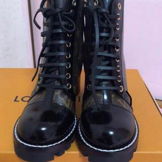 ルイヴィトン(LOUIS VUITTON)のルイヴィトン ブーツ クリスマス前値引き(ブーツ)