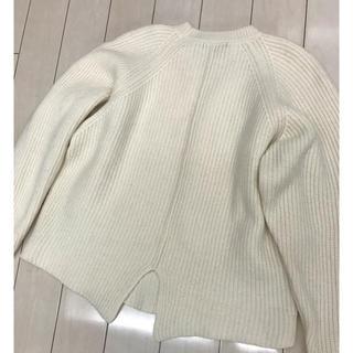 アイシービー(ICB)のICB✨後ろが可愛い💕ざっくりニット✨毛100%(ニット/セーター)