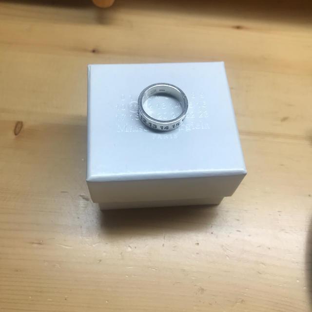 Maison Martin Margiela(マルタンマルジェラ)のマルジェラ カレンダータグ リング メンズのアクセサリー(リング(指輪))の商品写真