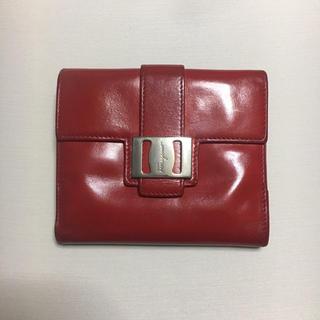 サルヴァトーレフェラガモ(Salvatore Ferragamo)のフェラガモ。レッド。折財布(財布)