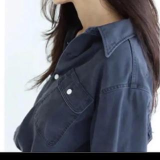 マディソンブルー ハンプトンバックサテンシャツ ネイビー 01