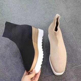 ザラ(ZARA)の【2color】ソックス ブーツ(ブーツ)