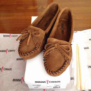ミネトンカ(Minnetonka)の新品7.5 ミネトンカ キルティモカシン(ローファー/革靴)
