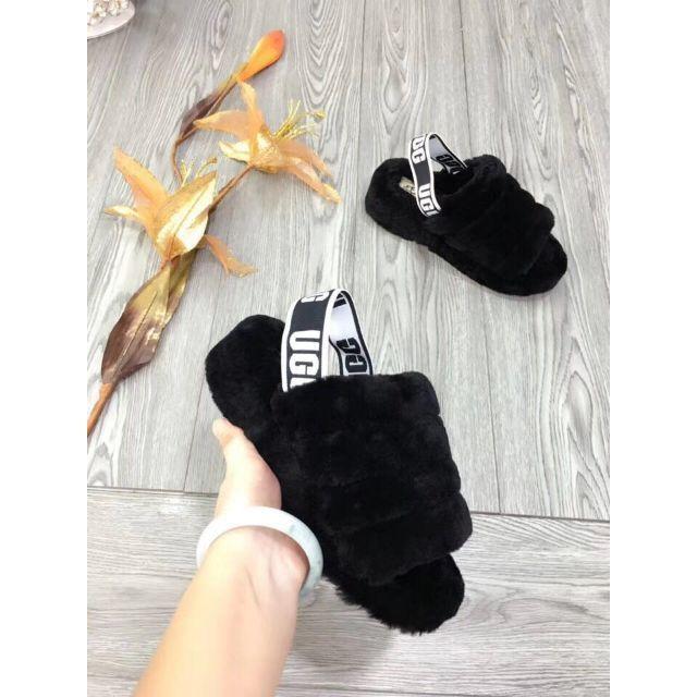 UGG(アグ)の新品 UGG☆FLUFF YEAH SLIDE☆サンダル ブラック 24CM レディースの靴/シューズ(その他)の商品写真