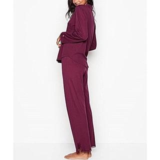 ヴィクトリアズシークレット(Victoria's Secret)の新品 VS 長袖&軽量 Sleepover ニットパジャマ(パジャマ)