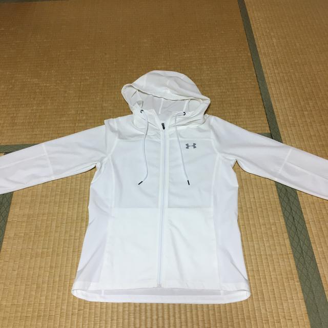 UNDER ARMOUR(アンダーアーマー)のアンダーアーマーナイロンジャケット レディースのジャケット/アウター(ナイロンジャケット)の商品写真