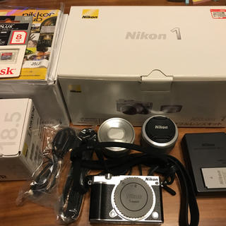 Nikon - Nikon 1 J5 ダブルレンズ キット SDカード専用ストラップ付