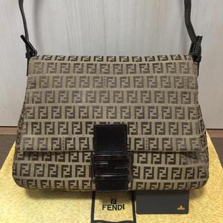 FENDI - 極美品♡FENDIフェンディ ズッカ柄 マンマバケット ショルダーバッグ