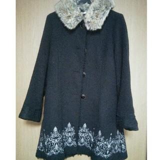 アクシーズファム(axes femme)の裾刺繍Aラインコート(ロングコート)