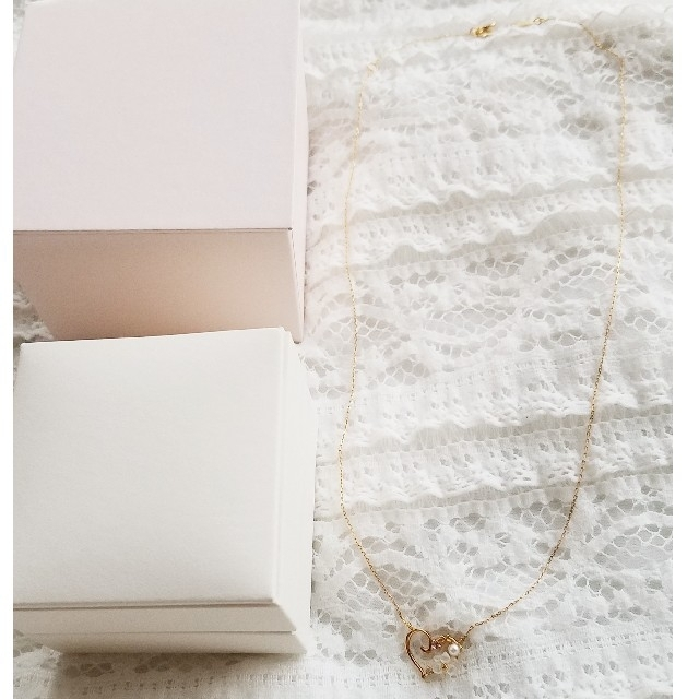 Samantha Tiara(サマンサティアラ)の大幅お値下げ!サマンサティアラ フラワーレターズ パール ネックレス レディースのアクセサリー(ネックレス)の商品写真