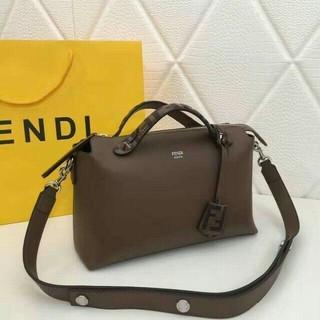 FENDI - FENDIショルダーバッグ