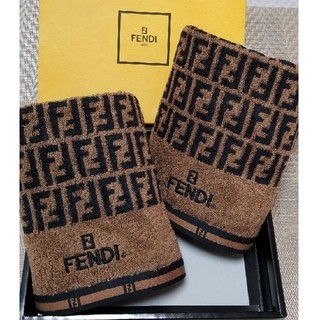 フェンディ(FENDI)のFENDI  フェイスタオル 【新品】 2枚 フェンディ タオル (タオル/バス用品)