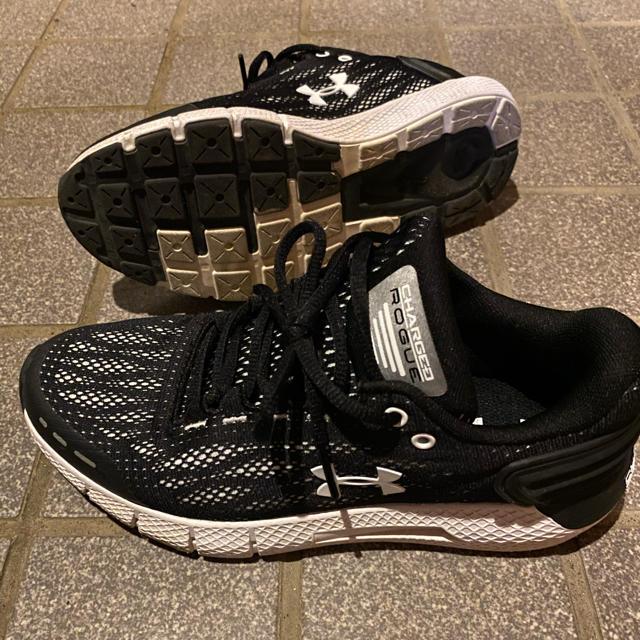 UNDER ARMOUR(アンダーアーマー)のスニーカー 24cm レディースの靴/シューズ(スニーカー)の商品写真