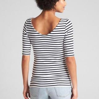 ギャップ(GAP)の新品タグ付き gap バレエネックTシャツ 赤(Tシャツ(半袖/袖なし))