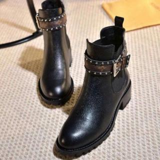 ルイヴィトン(LOUIS VUITTON)の新品 LOUIS VUITTON ブーツ(ブーツ)