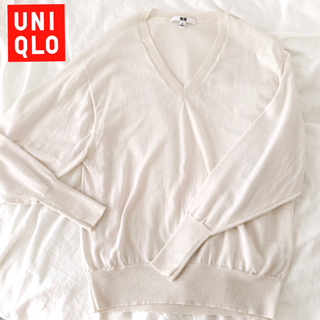 UNIQLO - 【美品】ユニクロ エクストラファインメリノ リラックスフィット Vネックセーター