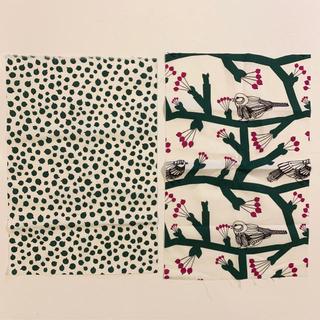 マリメッコ(marimekko)のmarimekko マリメッコ 鳥と実の柄 カットクロス 新品送料込 (生地/糸)