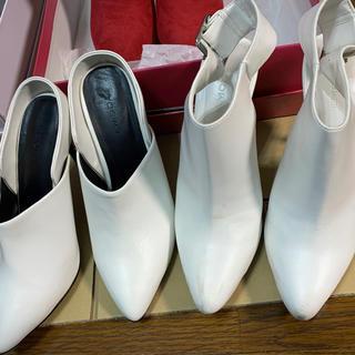 エモダ(EMODA)のEMODA エモダ ショートブーツ パンプス ヒール ホワイト 白 2足セット(ブーツ)
