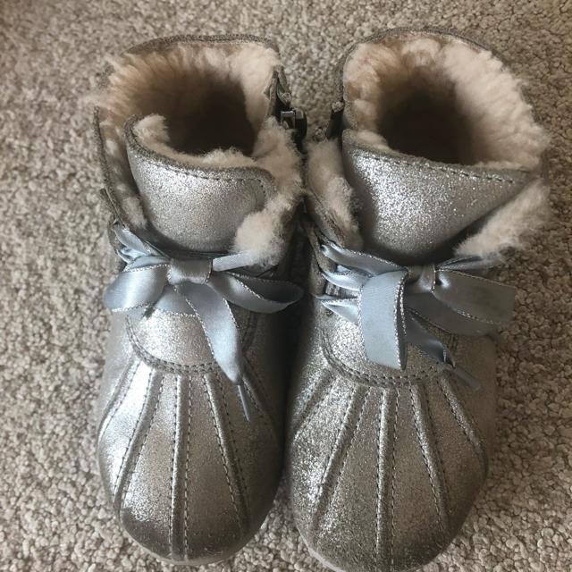 UGG(アグ)のUGG ブーツ 17cm ご専用です キッズ/ベビー/マタニティのキッズ靴/シューズ (15cm~)(ブーツ)の商品写真