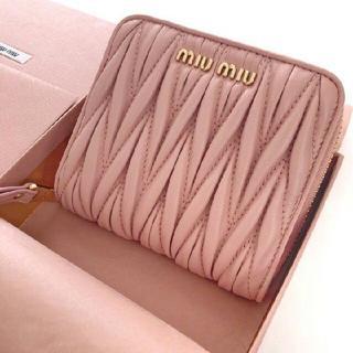 miumiu - miumiuラプレター財布