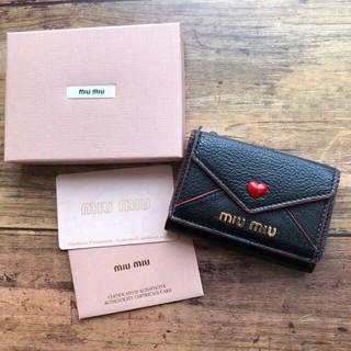 miumiu - ミュウミュウ miumiu レター 三つ折り財布♡ ブラック マドラス