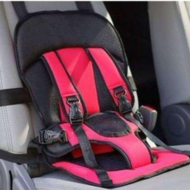 ブルーのみ 再入荷 チャイルドシート ベビーシート 取付簡単 自動車安全シート  キッズ/ベビー/マタニティの外出/移動用品(自動車用チャイルドシート本体)の商品写真