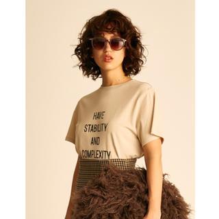Mila Owen - ロゴTシャツ