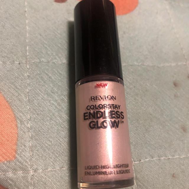 REVLON(レブロン)のカラーステイ エンドレス グロウ リキッド ハイライター コスメ/美容のベースメイク/化粧品(フェイスカラー)の商品写真
