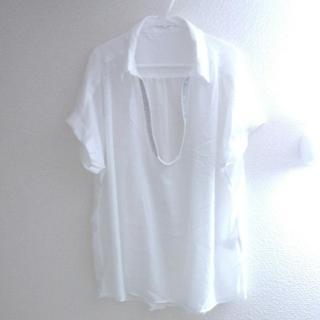 シネマクラブ(CINEMA CLUB)の3L相当 ネックレス風シルバー刺繍 やわらか・ゆったりシャツ シネマクラブ(Tシャツ(半袖/袖なし))