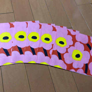 マリメッコ(marimekko)のペーパーナプキン   マリメッコ   U-⑰    5枚(各種パーツ)