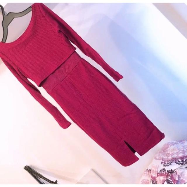 rienda(リエンダ)のリエンダ SウエストレースIラインミディOP ニットワンピース ピンク F 美品 レディースのワンピース(ロングワンピース/マキシワンピース)の商品写真