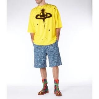 ヴィヴィアンウエストウッド(Vivienne Westwood)の美品🌟代官山限定🌟スプレーORBビッグTシャツ🔴ヴィヴィアンウエストウッド(Tシャツ/カットソー(七分/長袖))