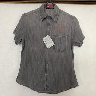 アヴィレックス(AVIREX)の【新品タグ付】AVIREX ブラックデニムシャツ(シャツ/ブラウス(半袖/袖なし))
