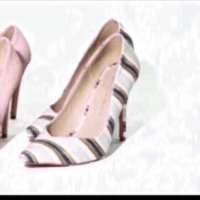 eimy istoire(エイミーイストワール)の❤️送料込】eimyistoire☆pointed textured pumps レディースの靴/シューズ(ハイヒール/パンプス)の商品写真