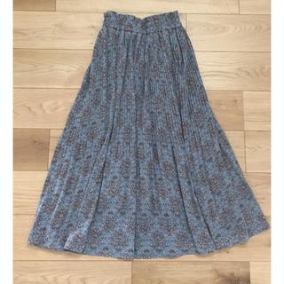 カスタネ(Kastane)のロングスカート くすみカラー スモーキーブルー 花柄 プリーツスカート (ロングスカート)