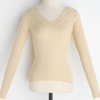dholic - タグ付き新品 DHOLIC Deep Vneck Knit ベージュカラー