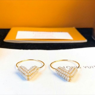 LOUIS VUITTON - Louis Vuitton イヤリング V ルイヴィトン パーティー 18K
