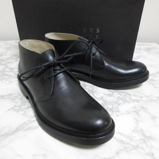 バーニーズニューヨーク(BARNEYS NEW YORK)のバーニーズ 新品 レザーチャッカブーツ レザーシューズ 革靴 US8 26cm(ドレス/ビジネス)