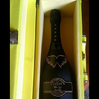 ANGEL CHAMPAGNE NV BRUT HALO YELLOW