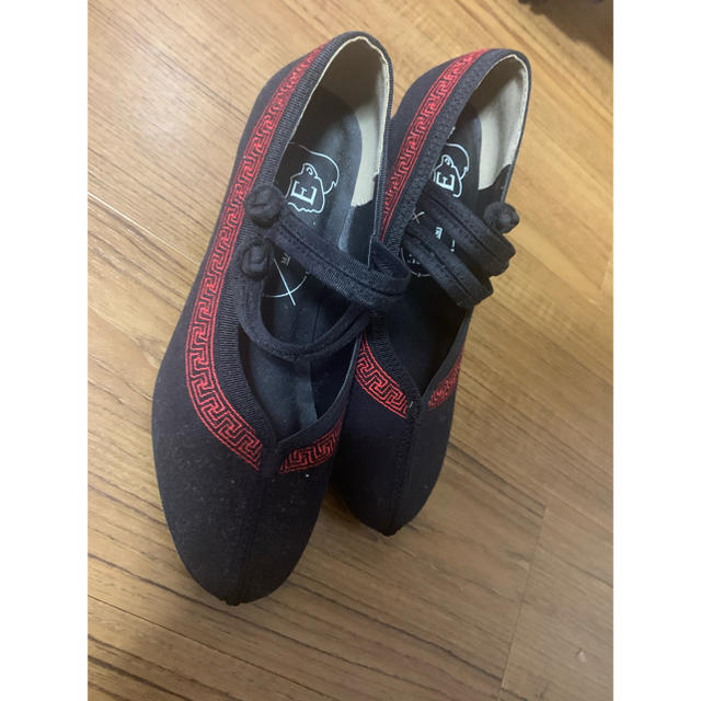 E hyphen world gallery(イーハイフンワールドギャラリー)のチャイナ風パンプス レディースの靴/シューズ(ハイヒール/パンプス)の商品写真