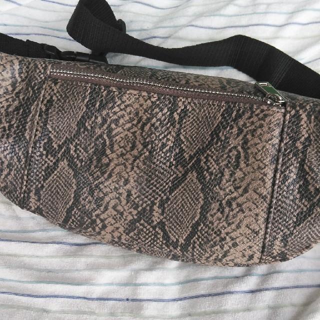 しまむら(シマムラ)の未使用✭しまむらパイソン柄ボディバック レディースのバッグ(ボディバッグ/ウエストポーチ)の商品写真
