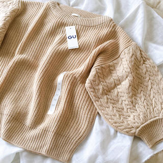 GU - ケーブルパフスリーブセーター
