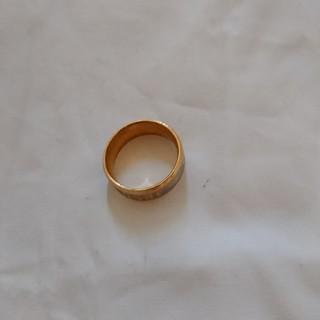 ゴールドの文字入り指輪(リング(指輪))