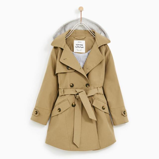 ZARA KIDS(ザラキッズ)のZARA 取り外し可能フード付き トレンチコート キッズ/ベビー/マタニティのキッズ服 女の子用(90cm~)(ジャケット/上着)の商品写真