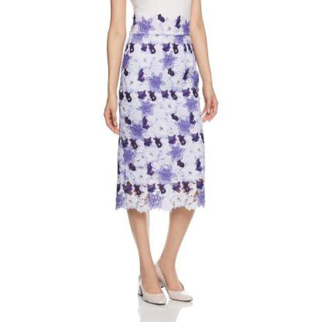 snidel(スナイデル)のスナイデル レーザープリントレースタイトスカート レディースのスカート(ひざ丈スカート)の商品写真