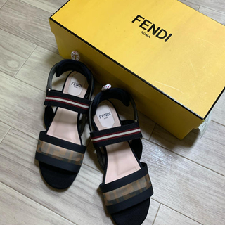 FENDI - 美品◆FENDI◆    フェンディサンダル フラットサンダル フラットシューズ