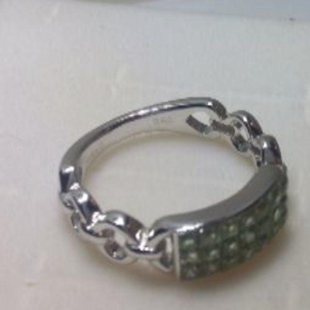 K18WG 8.5号 グリーンサファイアミステリーセッティングリング レディースのアクセサリー(リング(指輪))の商品写真