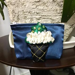 新品 フリルカップケーキ ミニポーチ(ポーチ)