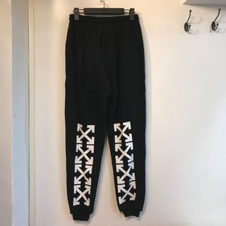 OFF-WHITE - OFF-WHITE パンツ ズボン メンズ カジュアルパンツ